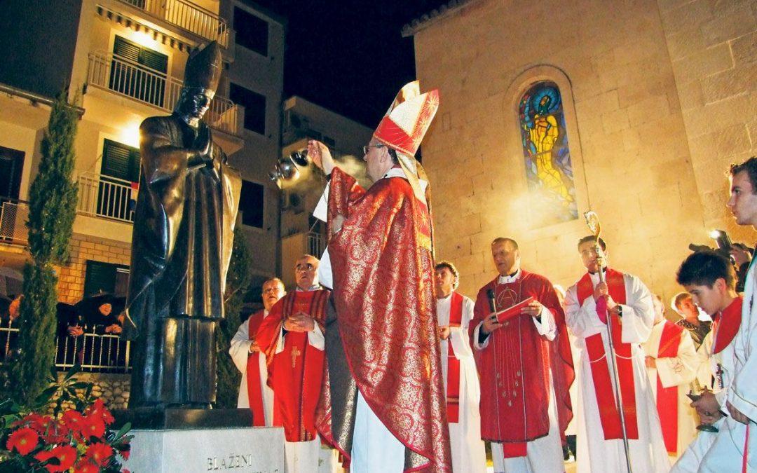Ususret posjetu nadbiskupa Barišića našoj župi (homilija o Stepincu)